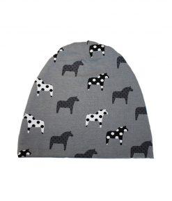 trikåmössa dalahästar grå